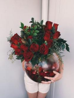 Utterly besotted: VIP florist choice