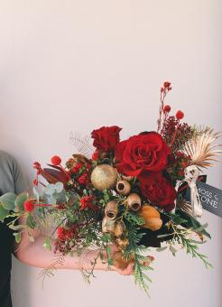Christmas in July - Fresh Floral Table Arrangement Workshop